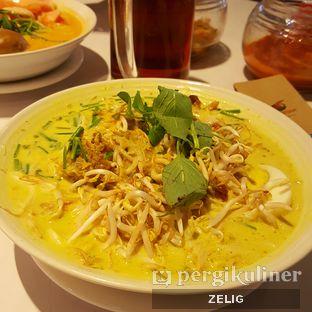Foto 2 - Makanan(Laksa Betawi) di Kafe Betawi oleh @teddyzelig