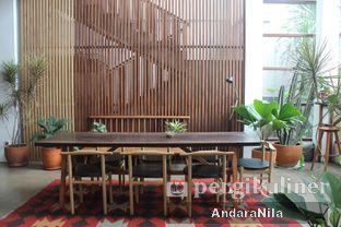 Foto 10 - Interior di 1/15 One Fifteenth Coffee oleh AndaraNila
