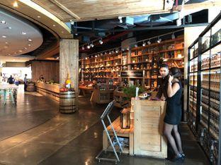 Foto 2 - Interior di Social House oleh om doyanjajan