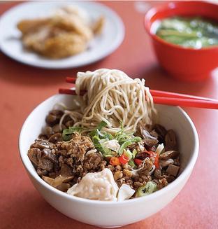 Foto 1 - Makanan di Pinangsia oleh @Sibungbung