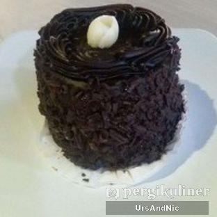 Foto 6 - Makanan(Double chocolate) di AH Resto Cafe oleh UrsAndNic