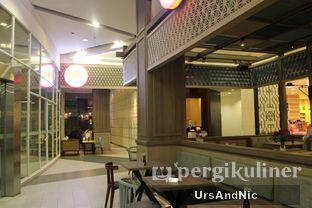 Foto 7 - Interior di Hong Kong Cafe oleh UrsAndNic