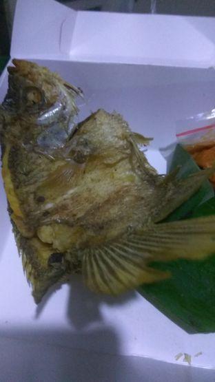 Foto 2 - Makanan(Gurame Goreng (IDR 66k) ) di Tekko oleh Renodaneswara @caesarinodswr