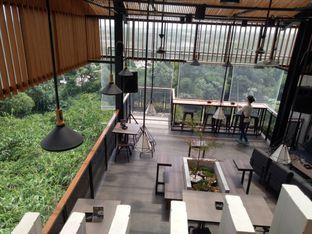 Foto 3 - Interior di Beranda Depok Cafe & Resto oleh Namira