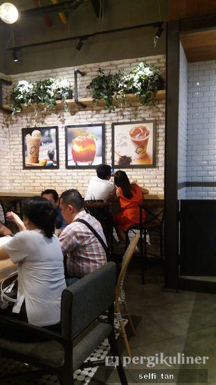 Foto 3 - Interior di KOI Cafe oleh Selfi Tan