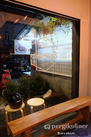 Foto 8 - Interior di Kama Coffee & Co oleh Darsehsri Handayani