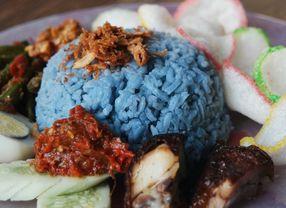 8 Nasi Lemak di Jakarta yang Rasanya Autentik