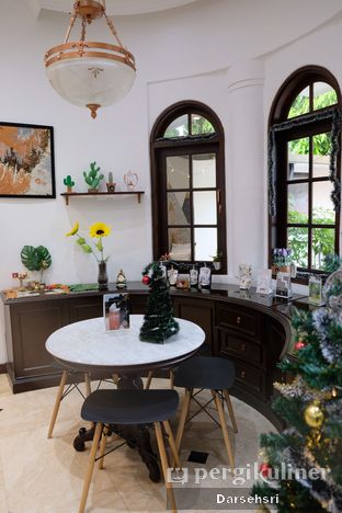 Foto 6 - Interior di O'delice Cafe oleh Darsehsri Handayani