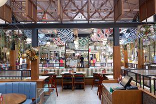 Foto 13 - Interior di Pish & Posh Cafe oleh yudistira ishak abrar