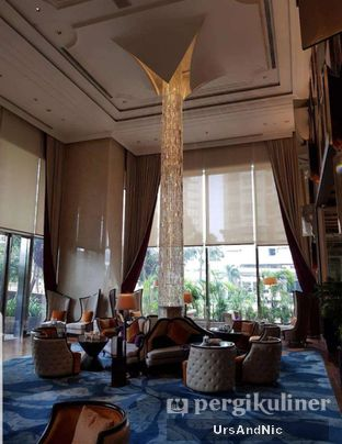 Foto 6 - Interior di The Writers Bar - Raffles Jakarta Hotel oleh UrsAndNic