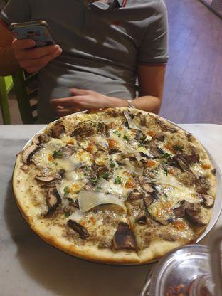 Foto review Pizza Marzano oleh Nicole Rivkah 1