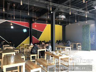 Foto 5 - Interior di Warung Asik 18 oleh Cubi