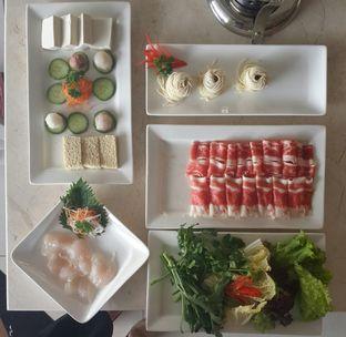 Foto 1 - Makanan(shanghai shabu set) di Dolar Shop oleh @stelmaris