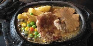 Foto 1 - Makanan di Waroeng Steak & Shake oleh Devi Renat