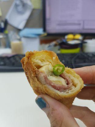 Foto 1 - Makanan di Dandy Bakery oleh Yuli || IG: @franzeskayuli