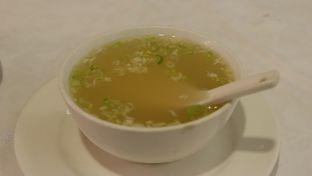 Foto 8 - Makanan(Kuah Kaldu Mie Sui Kau Hongkong (Small Size)) di Central Restaurant oleh Chrisilya Thoeng