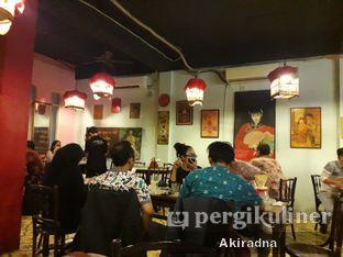 Foto 6 - Interior di Kopi Oey oleh Akiradna @eat.tadakimasu