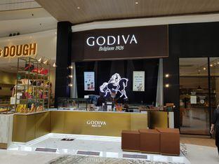 Foto review Godiva oleh D L 8