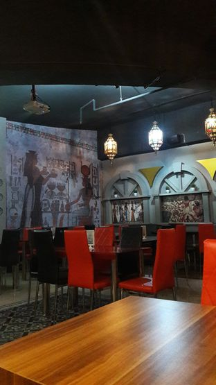 Foto 4 - Interior di Roastworks Coffee and Shisha oleh Andri