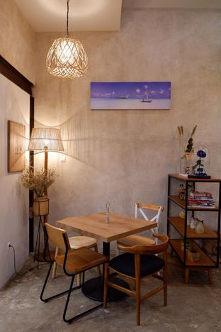Foto 14 - Interior di Kona Koffie & Eatery oleh yudistira ishak abrar