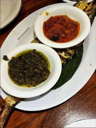 Foto 8 - Makanan(Ikan Alu-Alu Bakar) di Live Seafood Cabe Ijo oleh Alvin Johanes