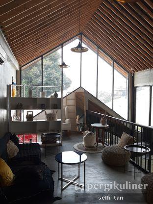 Foto 7 - Interior di Hakuna Matata oleh Selfi Tan