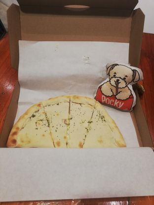 Foto review Master Cheese Pizza oleh Pocky's Gourmets • @pockygurume 1