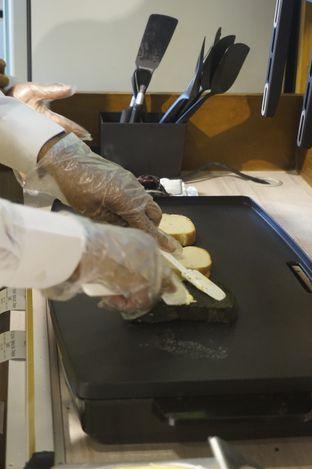 Foto 6 - Interior di Ohayou! Cheese Toast oleh yudistira ishak abrar