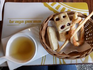 Foto 3 - Makanan(Teh dalimah) di Braga Permai oleh Eva R.M