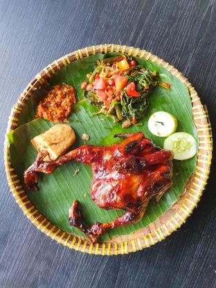 Foto 2 - Makanan di Hayam Bakakak Gosrek oleh Makan2 TV Food & Travel