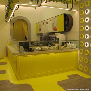 Foto 4 - Interior di Dots Donuts oleh Kuliner Addict Bandung