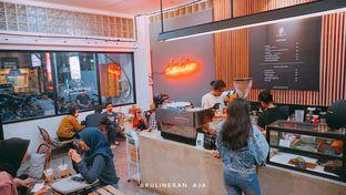 Foto 2 - Interior di Makmur Jaya Coffee Roaster oleh @kulineran_aja