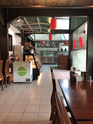 Foto 7 - Interior di Restoran Beautika Manado oleh feedthecat