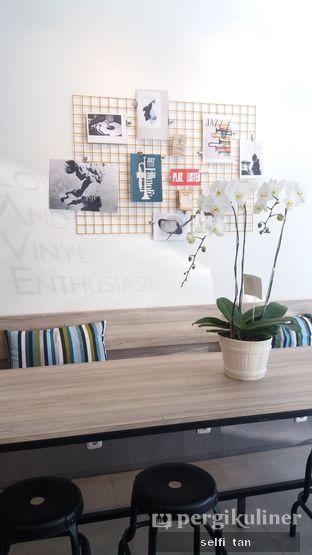Foto 4 - Interior di Clave Coffee Shop oleh Selfi Tan