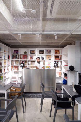 Foto 8 - Interior di Tu7uhari Coffee oleh yudistira ishak abrar
