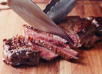 Mau Makan Steak? Intip Dulu 5 Tingkat Kematangan Steak Berikut Ini!
