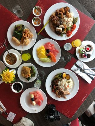 Foto 1 - Makanan di Canting Restaurant - Teraskita Hotel managed by Dafam oleh Mitha Komala