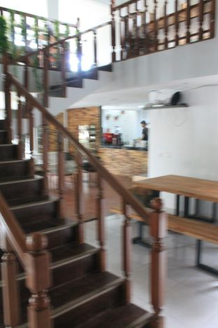 Foto 12 - Interior di Hidden Haus Coffee & Tea oleh Prido ZH