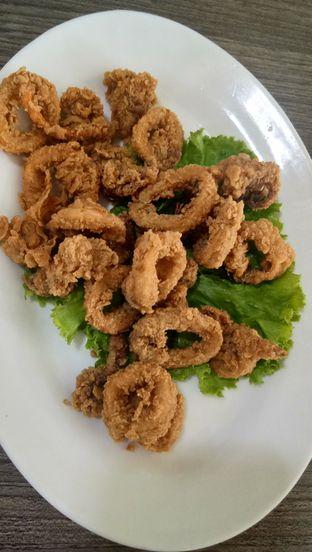 Foto 2 - Makanan(Cumi Goreng Tepung) di Aroma Dermaga Seafood oleh Komentator Isenk