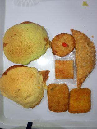 Foto - Makanan di Bakery Vitasari oleh Chris Chan