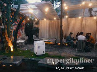 Foto 6 - Interior di Work Coffee oleh Fajar | @tuanngopi