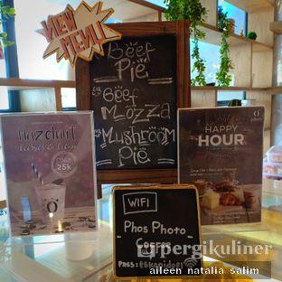 Foto 10 - Interior di Phos Coffee oleh @NonikJajan