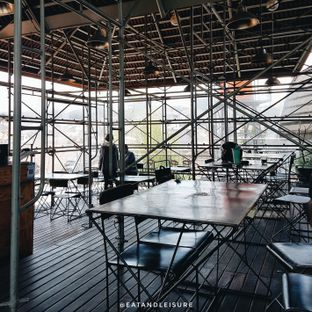Foto 3 - Interior di Northwood Coffee & Eatery oleh Eat and Leisure