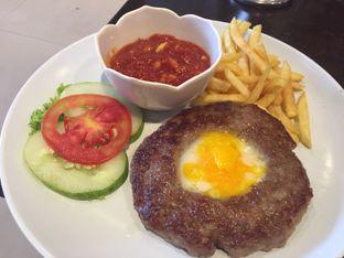 Foto review Dino Burger & Rice Steak oleh Theodora  1