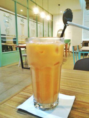Foto 4 - Makanan(Ice Thai Tea) di Bakmitopia oleh D L
