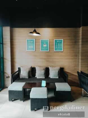 Foto 6 - Interior di Dailydose Coffee & Eatery oleh Syifa
