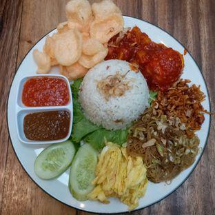 Foto 1 - Makanan(nasi uduk) di Wake Cup Coffee & Eatery - Grand Sovia Hotel Bandung oleh Kuliner Limited Edition