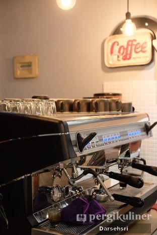 Foto 7 - Interior di Kama Coffee & Co oleh Darsehsri Handayani