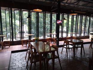 Foto 3 - Interior di The Place oleh Namira