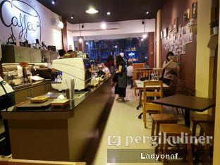 Foto 8 - Interior di Logika Coffee oleh Ladyonaf @placetogoandeat